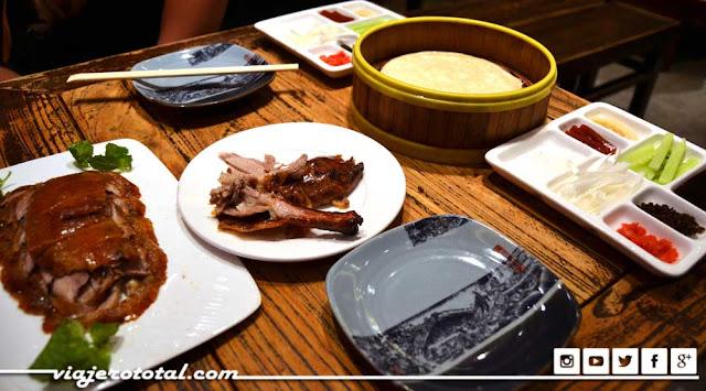 Pato laqueado al estilo pequinés - Beijing, China