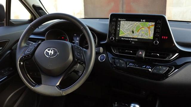 تويوتا C-HR 2020 ... أفضل سيارة متعددة الإستخدامات مدمجة صغيرة من تويوتا