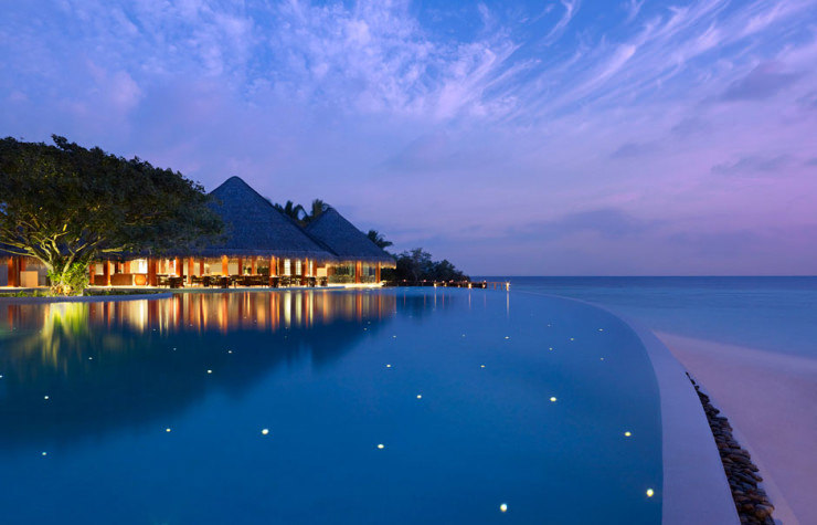 29 Most Amazing Infinity Pools in Pictures - Dusit Thani, Maldives
