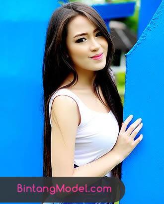 Model Amelia Handayani di #Makasar Sulawesi Selatan