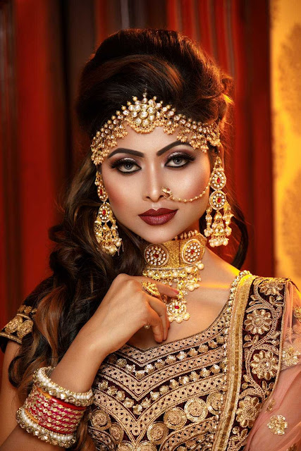 Beautiful bride makeup in wedding