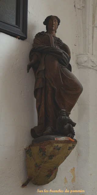 Statue de Sainte Marguerite Bully