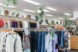 10 Tips Sukses Bisnis Pakaian dan Analisa Usahanya