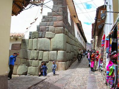 Hatun Rumiyoc, Cusco, Perú, La vuelta al mundo de Asun y Ricardo, round the world, mundoporlibre.com