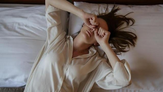 4 Tips Membuat Kulit Cerah Saat Bangun Tidur