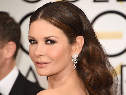 Golden Globes Catherine Zeta-Jones look with Love Moi Makeup and Flamingo Amy