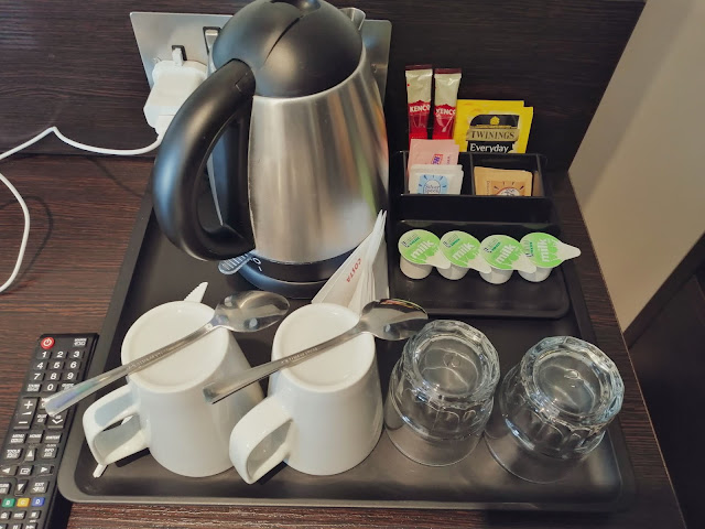 Kettle at Premier Inn London Heathrow Airport Terminal 4