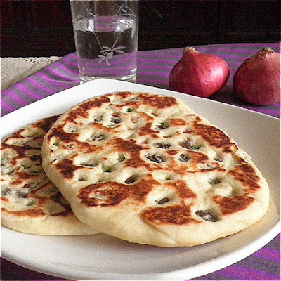 Dry Fruit Naan Recipe @ http://treatntrick.blogspot.com