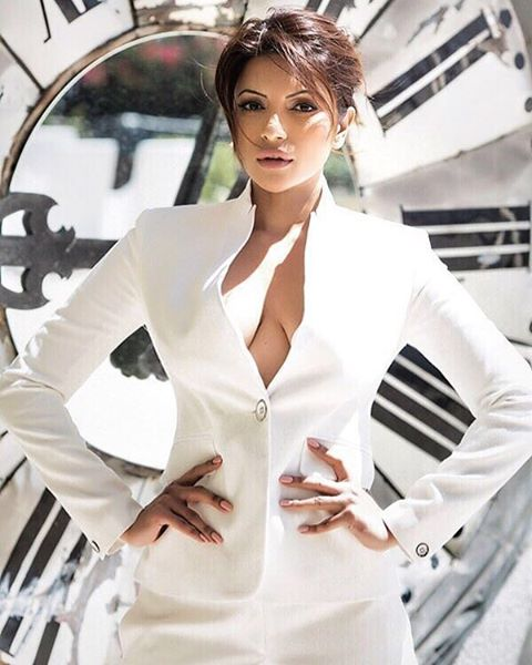 Shama Sikander in white coat, Shama Sikander cleavage, Shama Sikander masala photos, Shama Sikander spicy photos