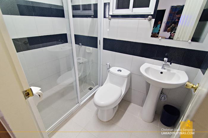 Brizo Hotel & Resort Morong Bataan Toilet & Bath