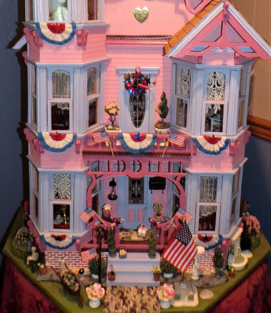 Patriotic Doll House