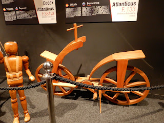 LEONARDO INTERACTIVE MUSEUMの自転車模型