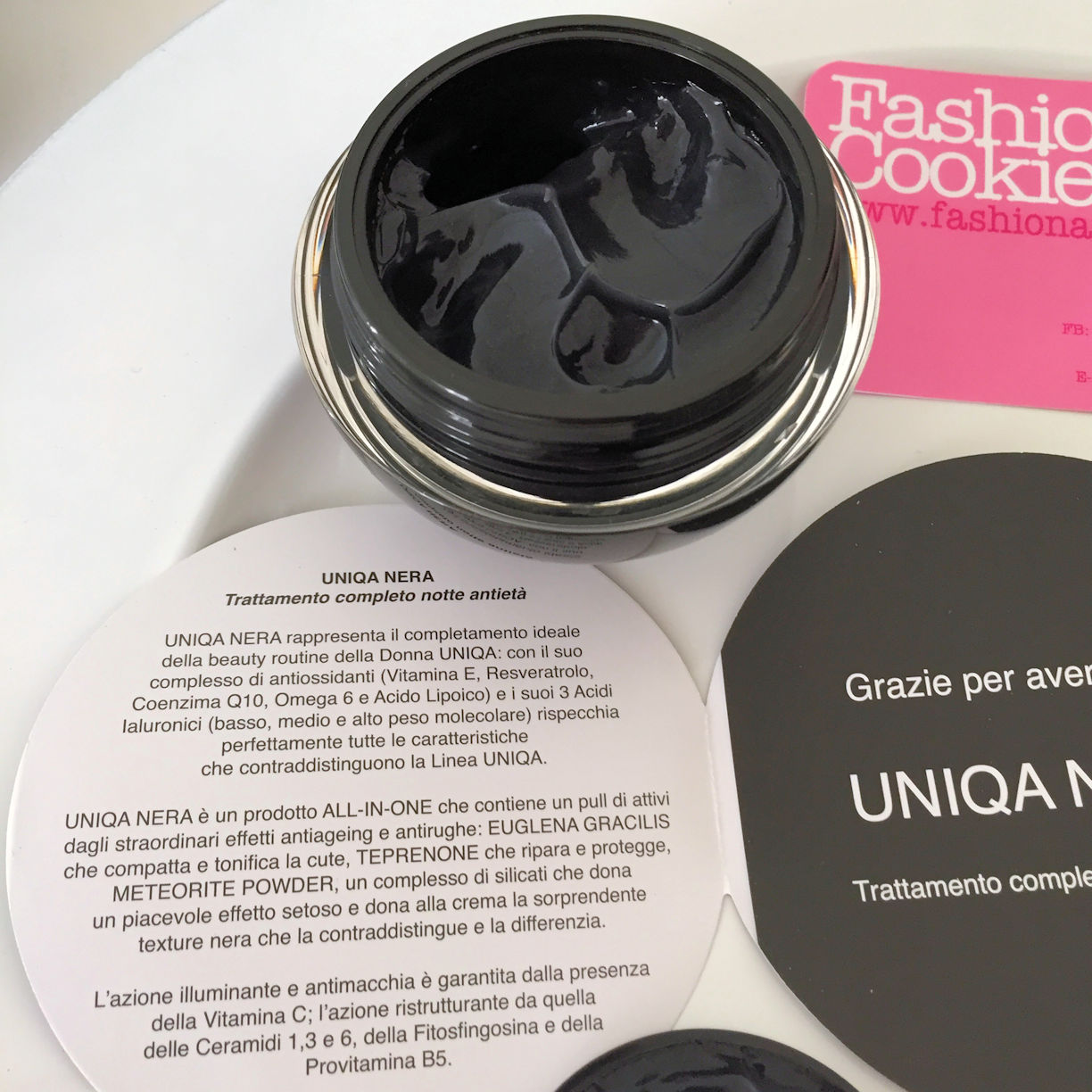 Uniqa Nera by Pea Cosmetics review black anti-age night-time cream on Fashion and Cookies beauty blog, beauty blogger