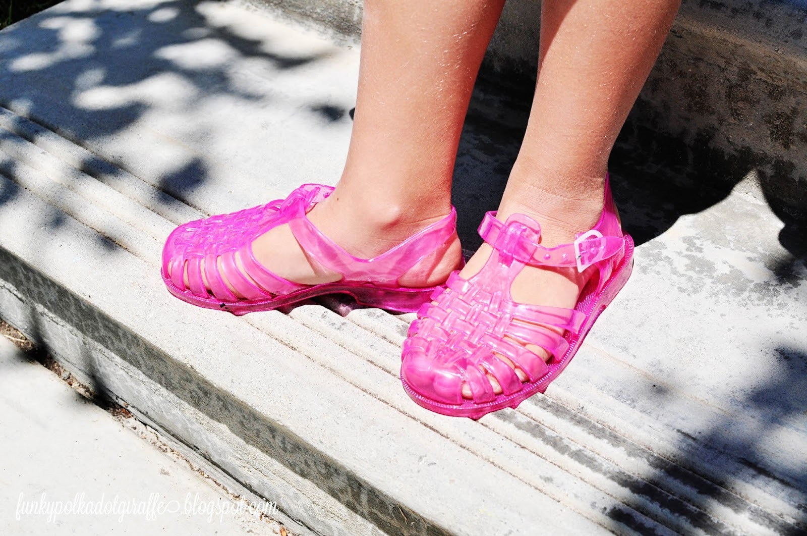 Funky Polkadot Giraffe Jelly Shoes They Re Back