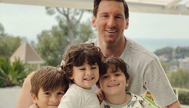 """Ronaldo - Messi nghĩa cử lớn """"so kè"""" từ thiện chống dịch Covid-19 2"""