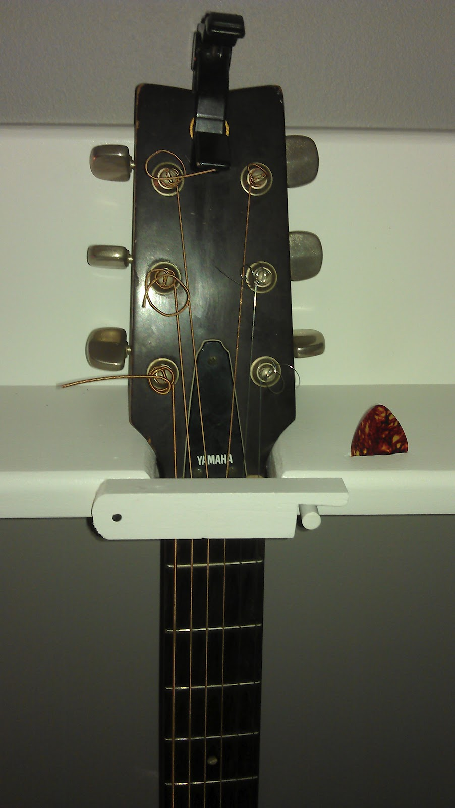 DIY: 4-Guitar Wall Hanger. Cost: $15ish. FEATURED AS AN ...