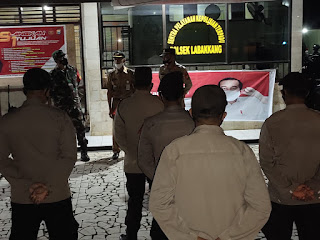Personil Gabungan TNI-Polri dan Camat Labakkang Apel Kesiapan Pengaman Malam Takbiran di Halaman Polsek Labakkang