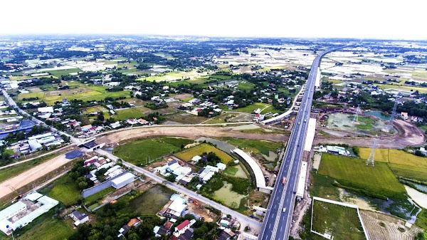 hình ảnh đường cao tốc bến lức long thành