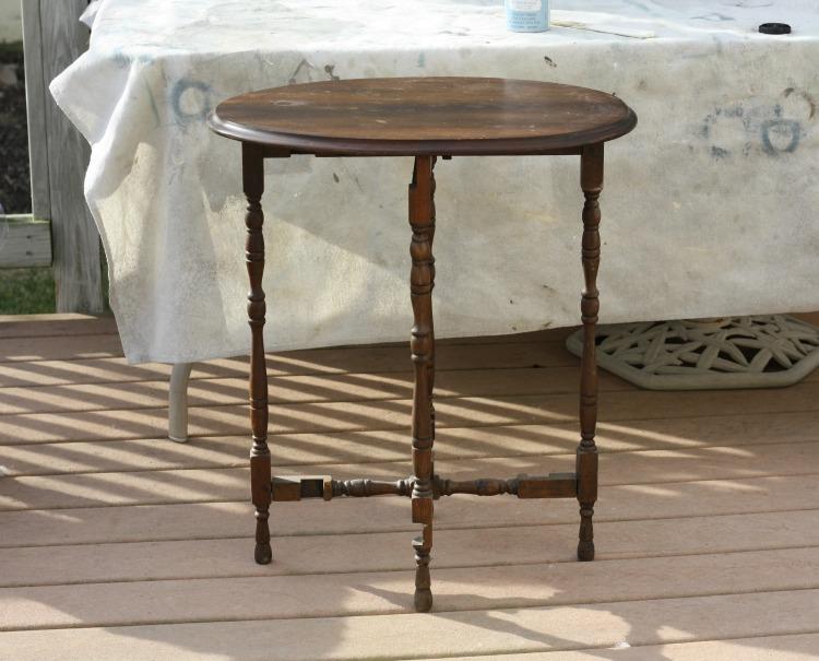 Vintage gate leg folding table.