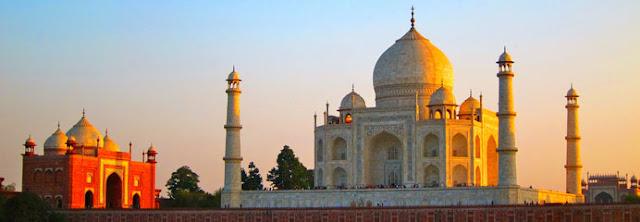 Reach Taj Mahal