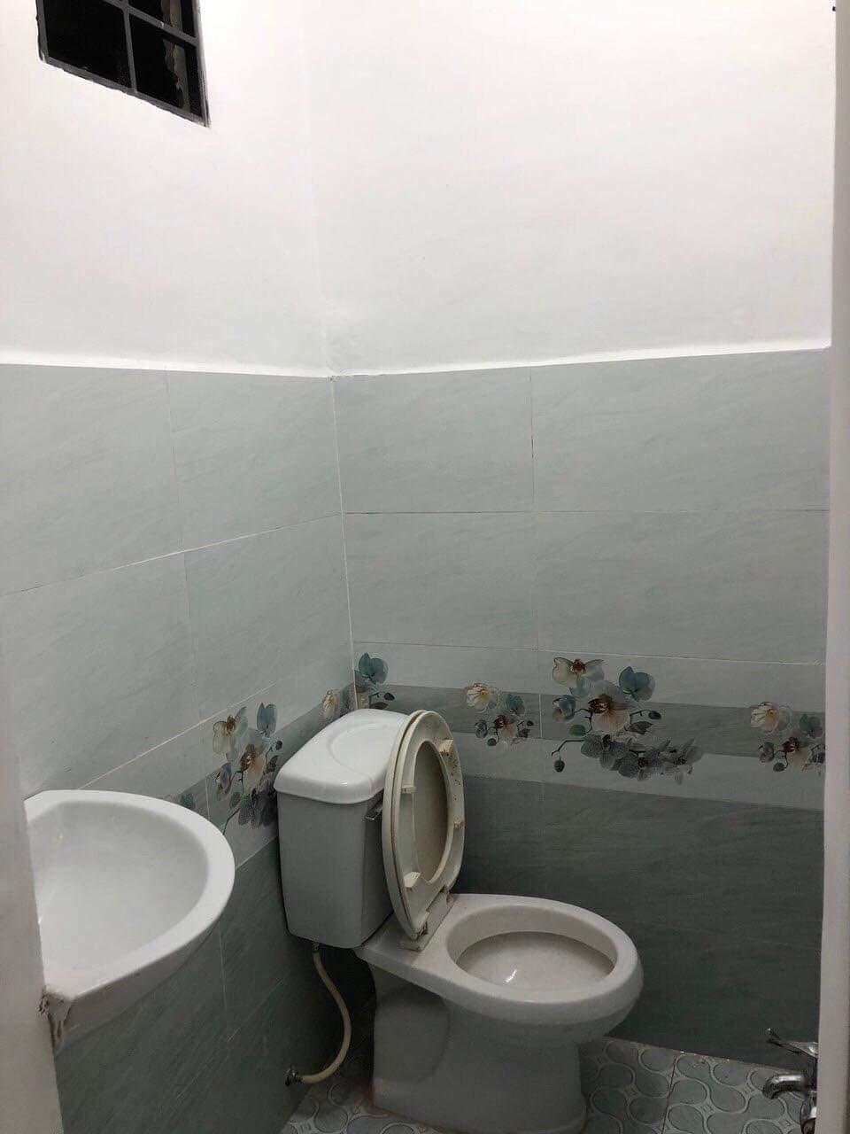 Bán nhà hẻm xe hơi 170 Bùi Đình Túy phường 12 quận Bình Thạnh giá dưới 3 tỷ
