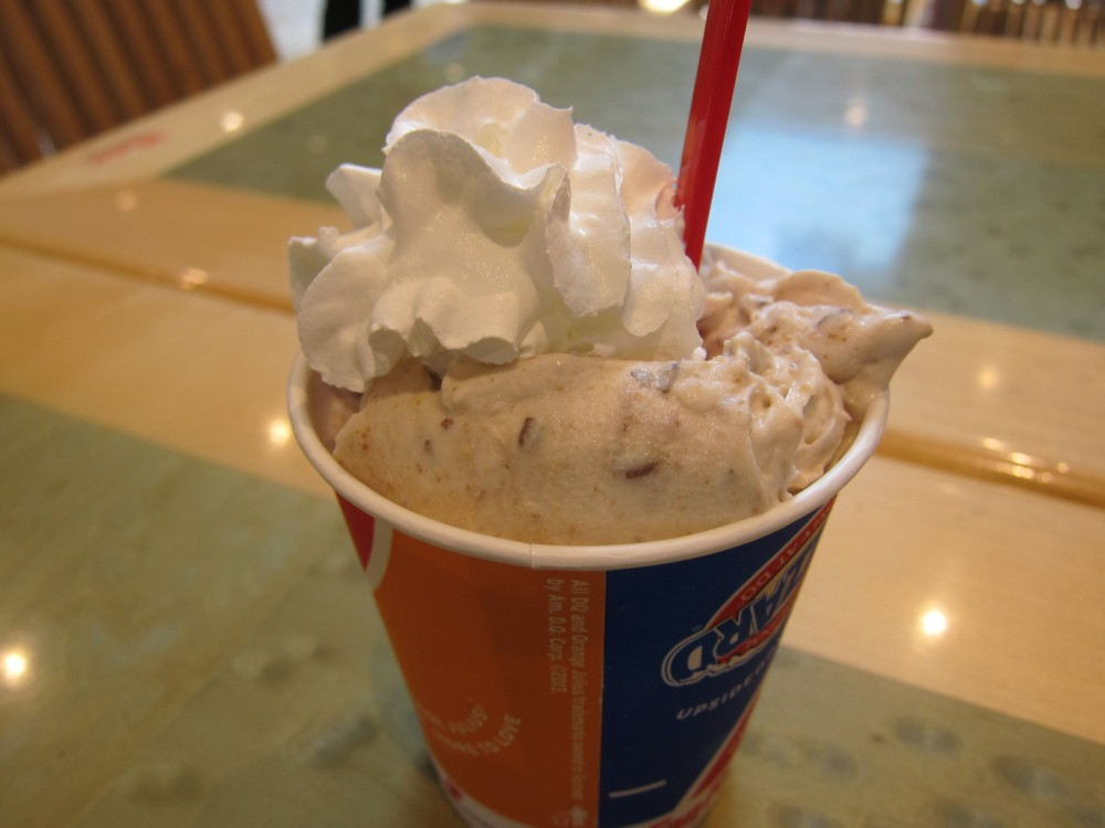 Review Dairy Queen  Reeses Peanut Butter Cup Pie