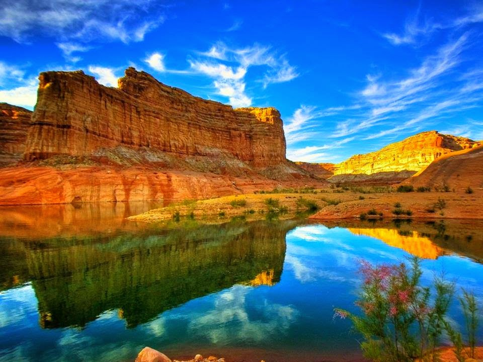 Montanhas rochosas e rio americano