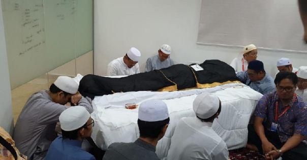 Gus Wafi' sebut Habib Rizieq Diminta Pimpin Doa oleh Keluarga Mbah Moen