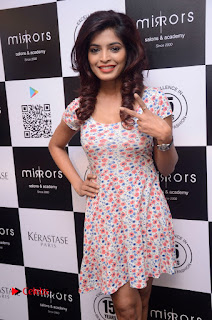 Actress Sanchita Shetty Pictures at Mirrors Salon App Launch Event 0016.JPG