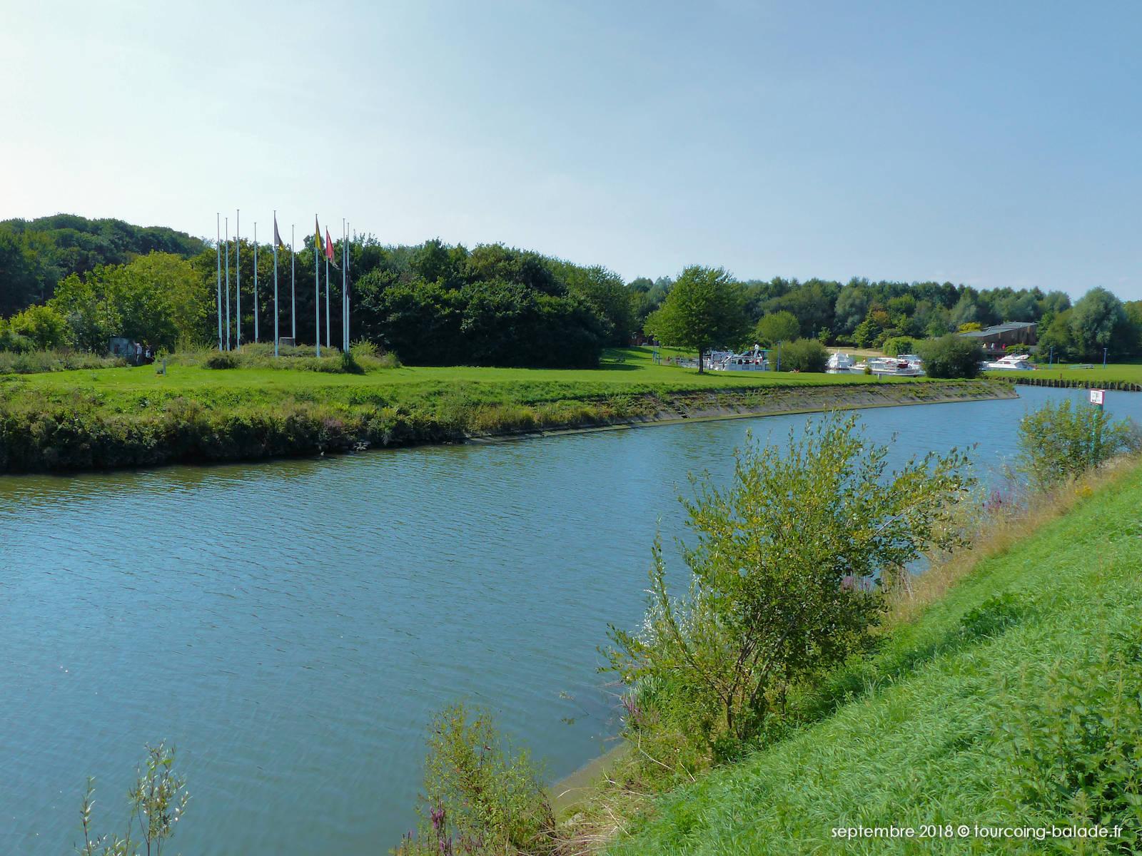 Rivière de la Lys et Port d'Halluin-Menin