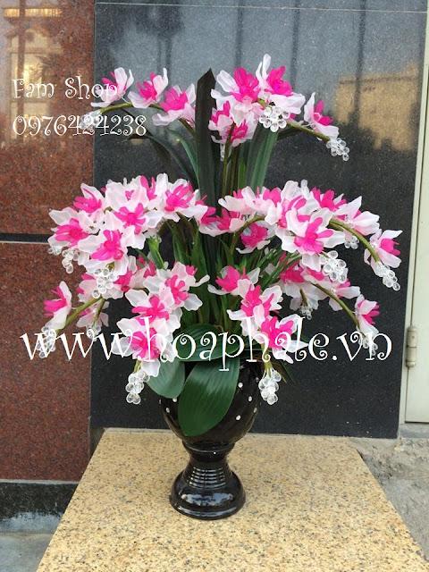 Cua hang hoa pha le tai Hoang Mai