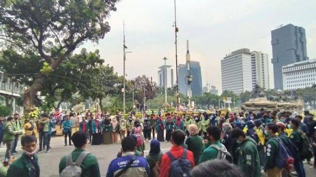 Ribuan Mahasiswa Geruduk Istana Negara, BEM SI: Pemerintah Berusaha Mencuci Otak Rakyat