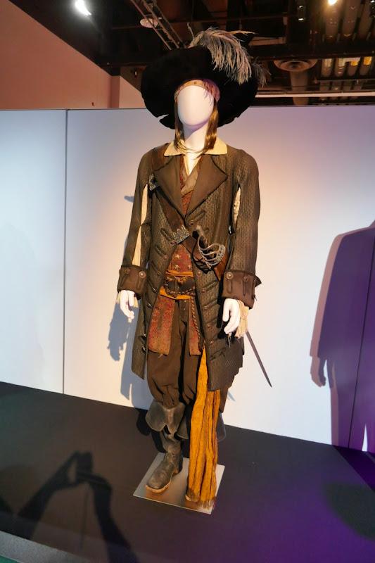Pirates of the Caribbean Black Pearl Captain Barbossa costume