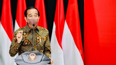 Jokowi Cerita Banting Setir Budi Sadikin dari Sarjana Teknik Jadi Menkes