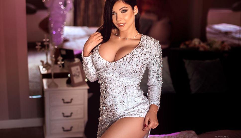 RyvaMaybel Model GlamourCams