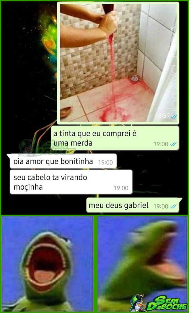 O CABELO QUE MENSTRUA