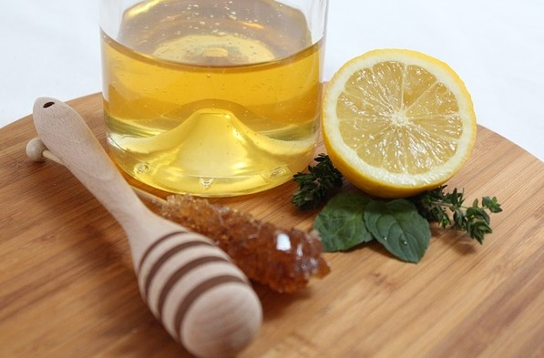 Treatment of corona with honey and lemon
