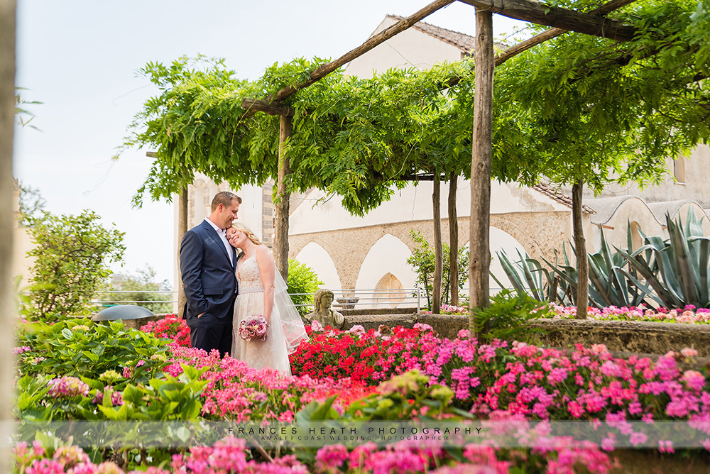 Wedding portrait in hotel Caruso gardens
