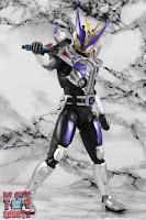 S.H. Figuarts Shinkocchou Seihou Kamen Rider Den-O Sword & Gun Form 69