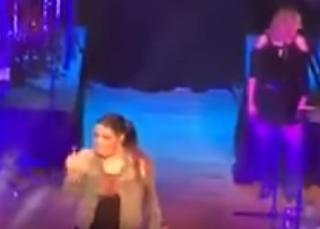 La cantante Yuridia ofendió a uno de sus seguidores