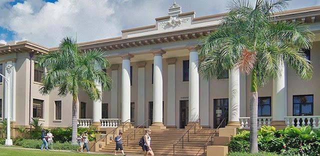 منحة الاستحقاق الدولية لدراسة البكالوريوس في جامعة هاواي في الولايات المتحدة الأمريكية