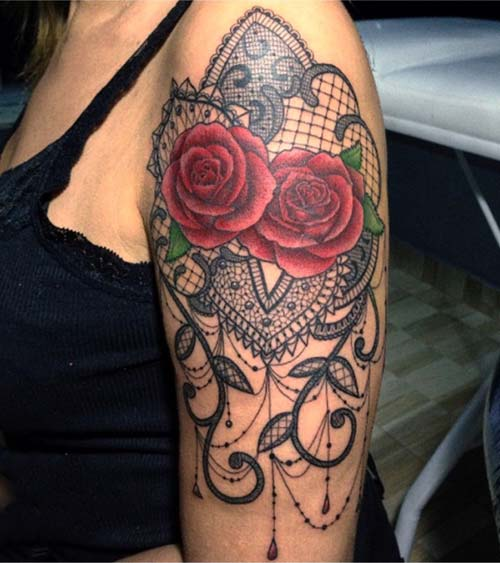 kadın üst kol dantel dövmesi woman upper arm lace tattoo
