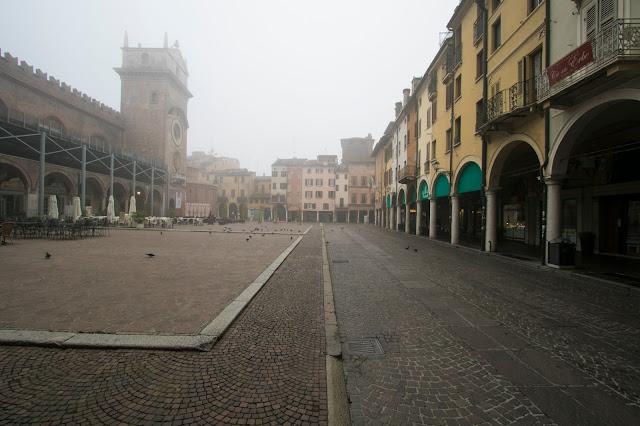 Mantova centro-Piazza delle Erbe