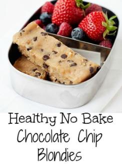 NO BAKE HEALTHY CHOCOLATE CHIP BLONDIES