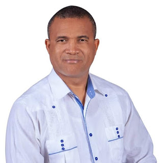 Barahona: Designan a Julio Ernesto Samboy Jiménez, como Director del Distrito Educativo 01-03.