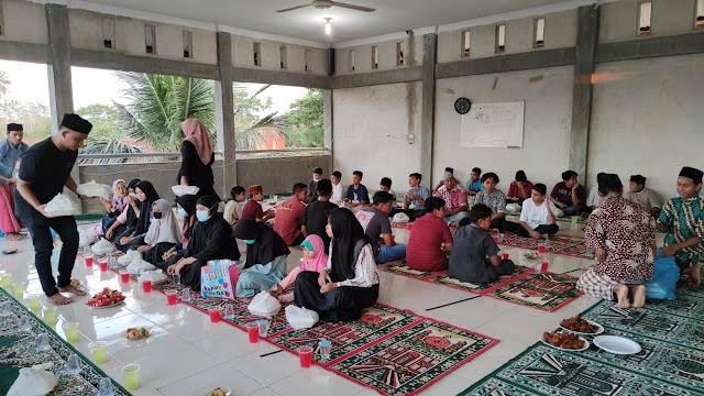 Sosial Marketing Aceh Gelar Pembagian Takjil dan Santunan Anak Yatim