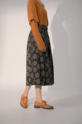 星星花島金邊排釦過膝長裙