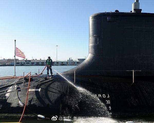 الغواصة النووية فرجينيا USS%2BWashington%2BSSN-787%2BVirginia%2Bclass%2Bsubmarine%2B1