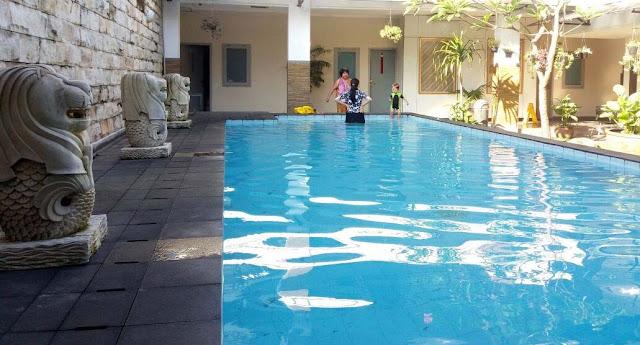 kolam hotel dinasty
