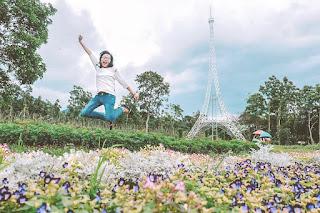 Taman Bunga Celosia : Nuansa Eropa di Tanah Jawa